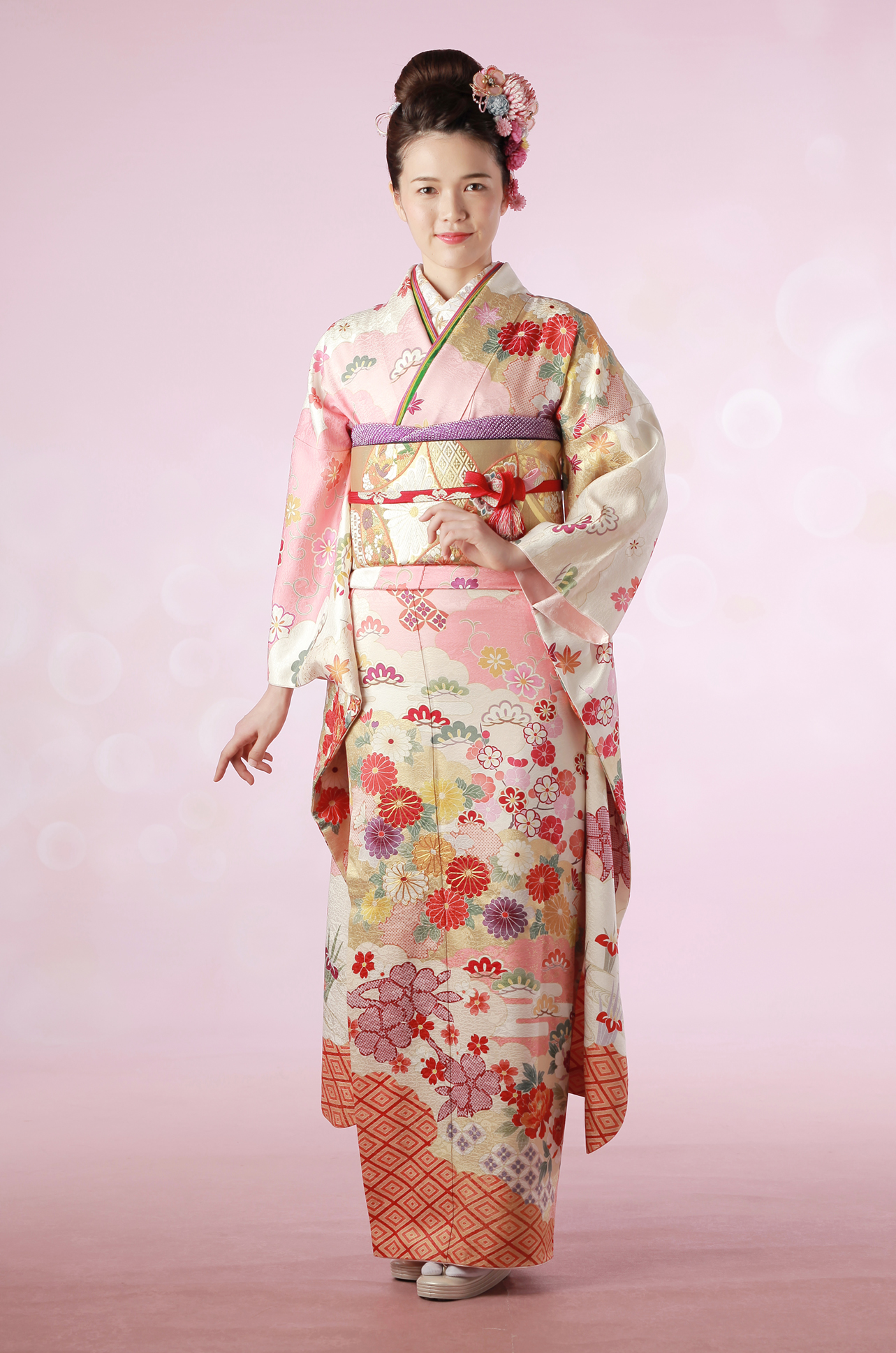 【No.MKK-023】★ ピンクの雲取り地にはんなり雅な古典花文振袖