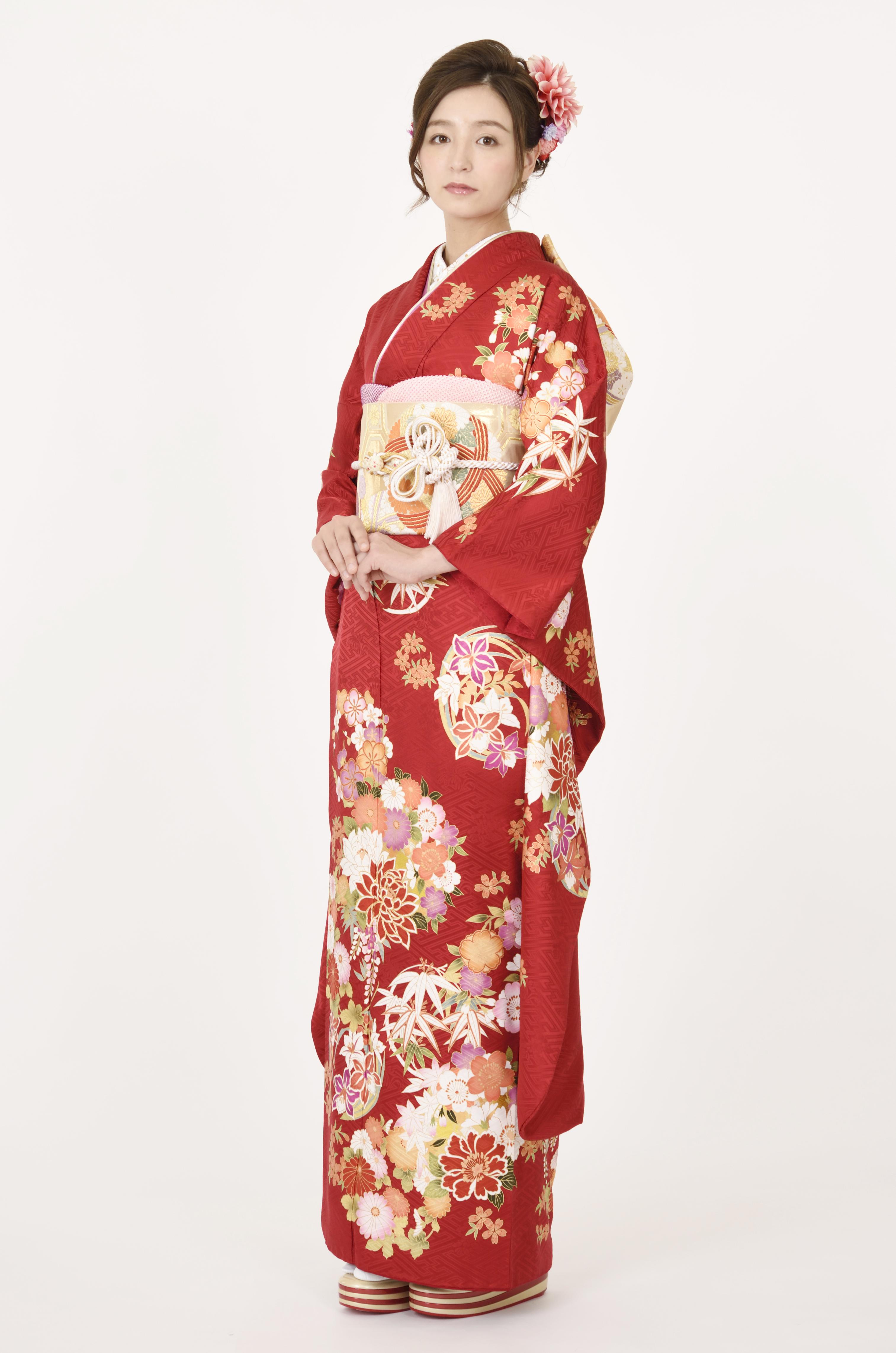 【MKK-28018】★紅色が気品あふれる花丸文柄振袖
