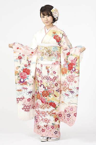 【MK-705】桜色に牡丹や貝桶文様の振袖