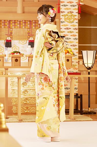 【MK-803】淡黄地に四季折々の花