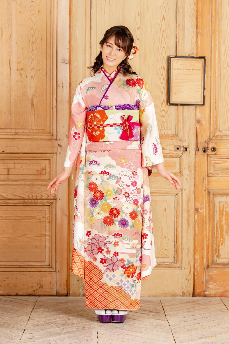 【MKK-023】★ ピンクの雲取り地にはんなり雅な古典花文振袖